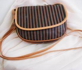 Vintage fendi cross body purse
